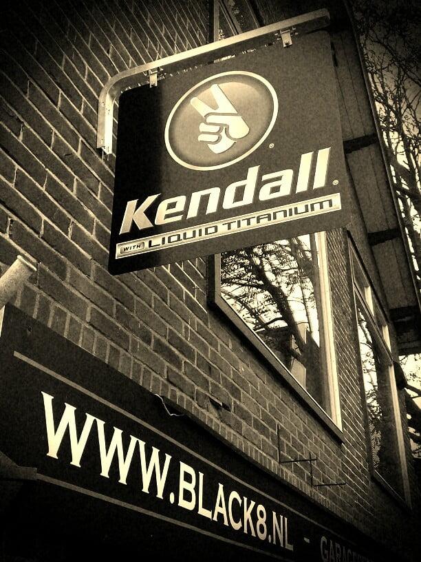 Black8 - Kendall olie V8