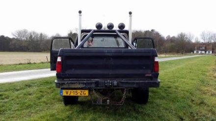 Garagebedrijf Black8 -'77 Dodge W200 4x4 318 chrysler V8 NP203 tussenbak
