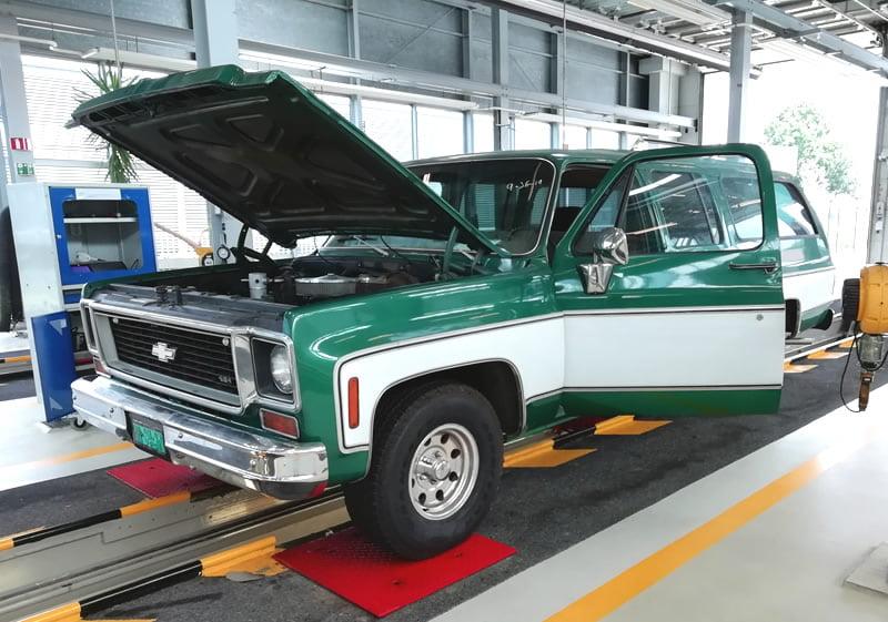 Keuring inspectie van Chevrolet Suburban uit 1973 geimporteerd uit California Amerika