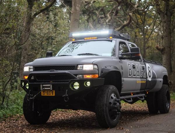 Chevrolet Dually 4x4 diesel verhoogd met huif