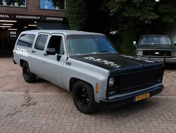 Chevrolet Suburban crate engine 572 met lachgas gereviseerd