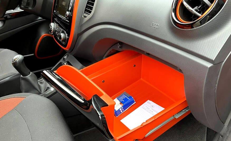 Renault Captur 0.9 TCe Dynamique dashboardkastje