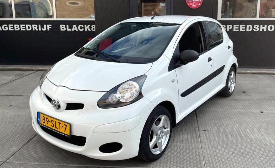 Toyota Aygo te koop in Castricum (omgeving Limmen Egmond Heemskerk Beverwijk Heiloo Alkmaar)