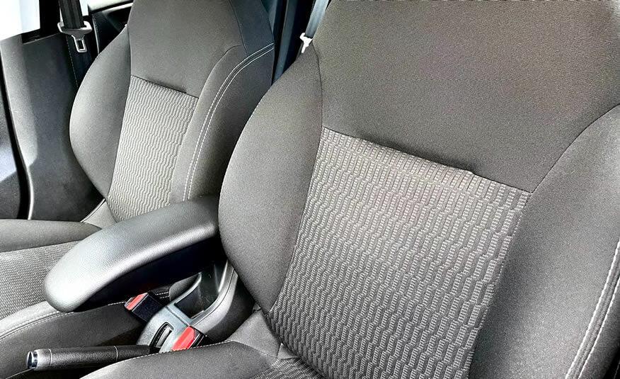 2017 Peugeot 208 voerstoelen