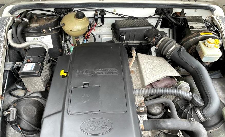 2000 Land Rover Defender 90 Hard Top diesel 2.5 motor