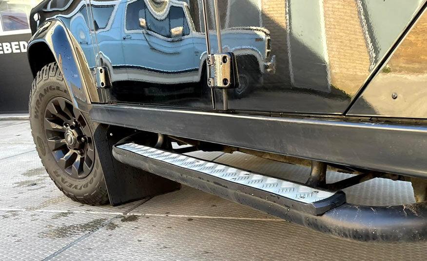 Land Rover Defender treeplanken side steps