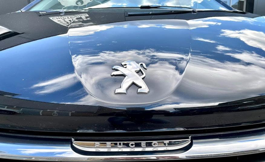 2017 Peugeot 208 motorkap