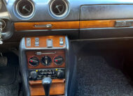 Mercedes 230C 1979 Coupe dashboard