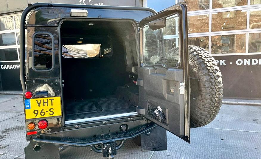Te koop 2016 Land Rover Defender diesel black zwart 4x4 grijs kenteken