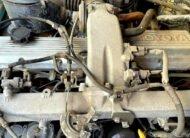 Te koop Toyota Land Cruiser 70 geel grijs kenteken 2.4 diesel motor blok
